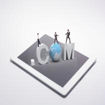 域名是网站建设的基础配备,除此之外域名本身还有自身潜在的品牌价值,一个好的域名,更容易被用户记忆,同时也更利于广告传播,搜索引擎优化,以及其他互联网传播场景。