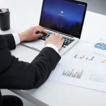 网站后台,有时也称为网站管理后台,是指用于管理网站后台的一系列操作,如:产品、企业信息的增加、更新删除等。通过网站管理后台,可以有效的管理网站供浏览者查阅的信息
